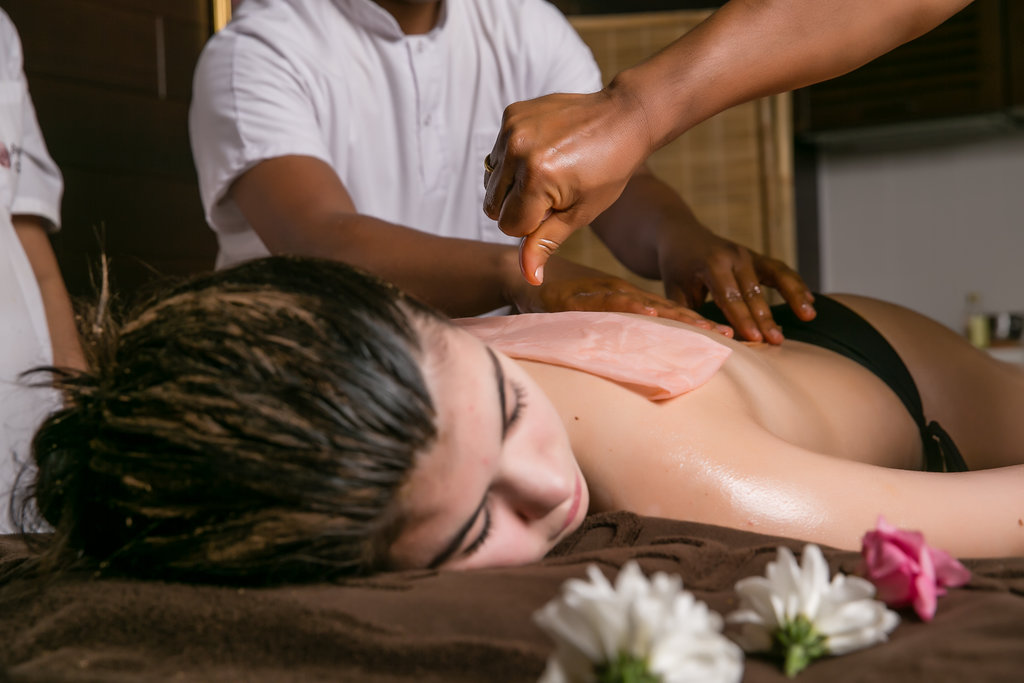 Ayurveda massage with mustard oil